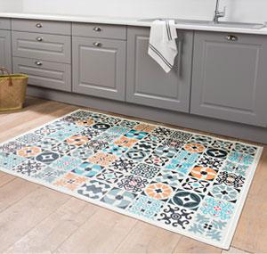 Des tapis bluffants, en vinyle imperméable, anti-tache et antidérapant.