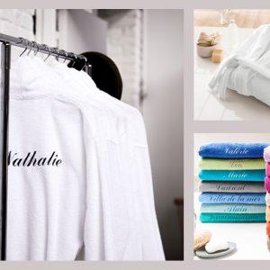 Une serviette ou un peignoir personnalisé, la bonne idée cadeau.