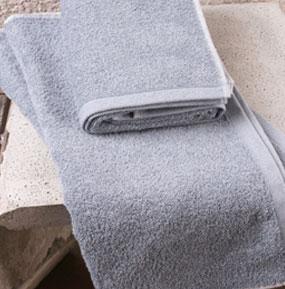 Serviette de bain en jean recyclé