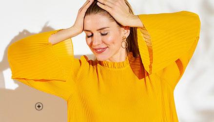 Blouse jaune plissée volantée