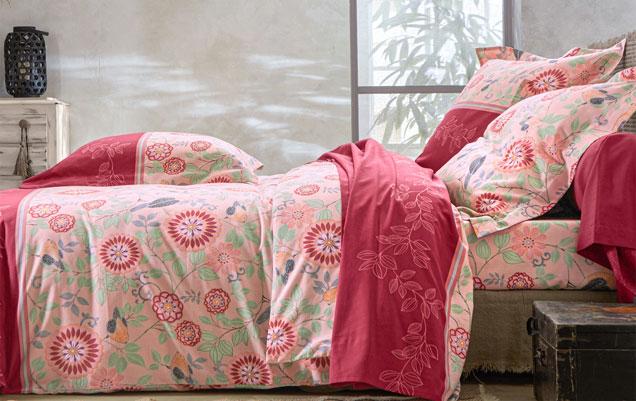 Parure de lit rose fleurie