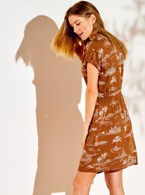 Robe courte marron avec manches courtes imprimé exotique ceinture smockée - pas cher - Blancheporte