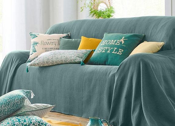 Jeté de canapé vert tissé uni à franges en coton- pas cher - Blancheporte