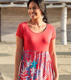 Robe rouge longue fluide imprimé fleurs multi-matière manches courtes col rond pas cher - Blancheporte
