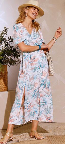Robe longue blanche à fentes imprimée fleurs manches courtes col V Coeur au Sud® pas cher - Blancheporte